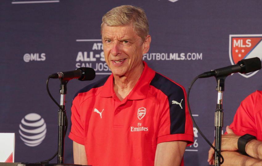 Arsene Wenger amazed by tight Premier League battle