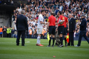 Gareth Bale questions the officials having been wrongly booked for diving in his last match for Tottenham [Jav The DoC_66]