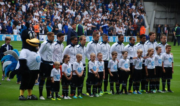 Tottenham team v Chelsea (Sept. 2013) [Photo: Jav The_DoC_66]