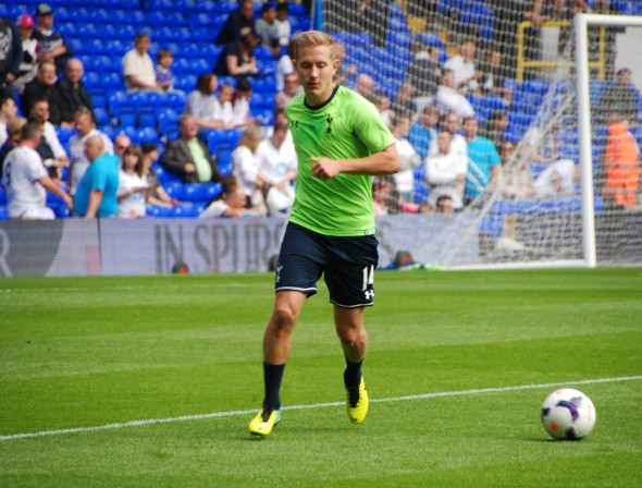 Lewis Holtby earns his Tottenham Spurs [Photo: Jav The_DoC_66]