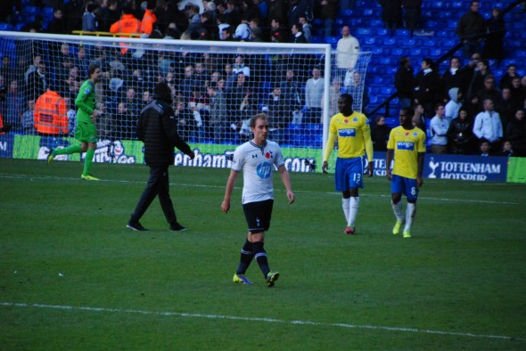 Christian Eriksen leaves the pitch after newcstle defeat. [Photo: Jav The_DoC_66]