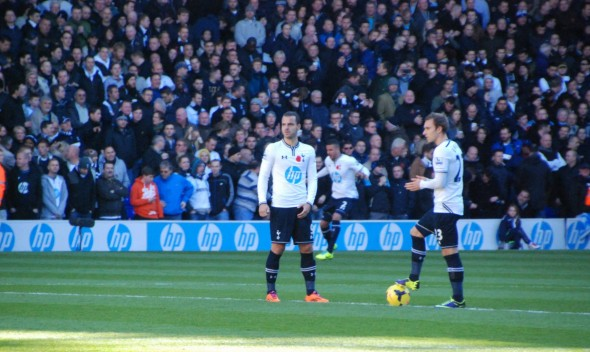 Roberto Soldado and Christian Eriksen [Photo: Jav The_DoC_66]
