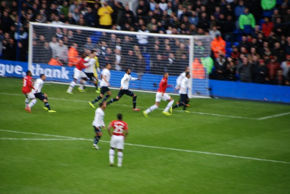 A packed penalty as Spurs defend a corner [Photo: Jav The_DoC_66]
