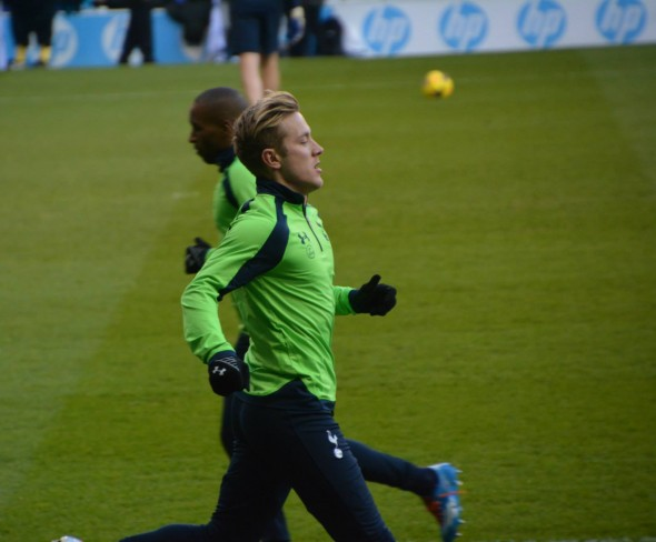 Lewis Holtby [Photo: Jav The_DoC_66]
