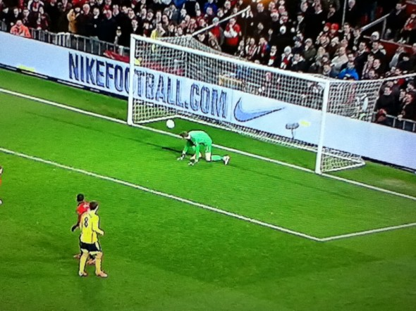 De Gea fumble [Photo: Alan Hill]