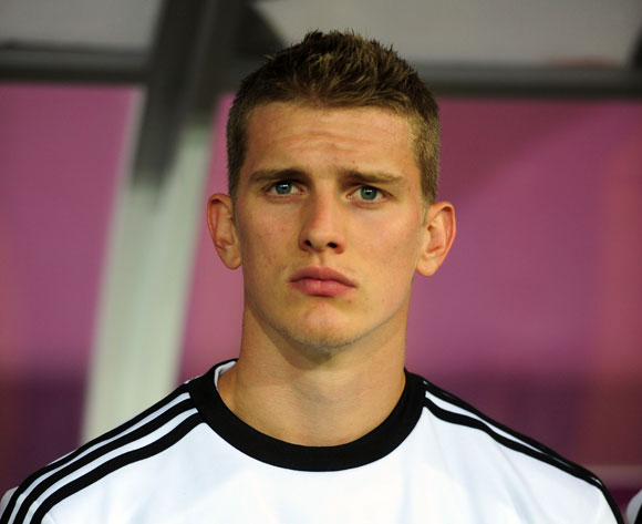 The 28-year old son of father Hartmut Bender and mother Sabine Bender, 184 cm tall Lars Bender in 2018 photo