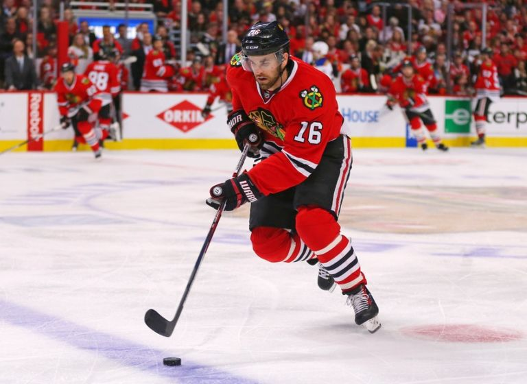 Andrew-ladd-nhl-stanley-cup-playoffs-st.-louis-blues-chicago-blackhawks-768x560