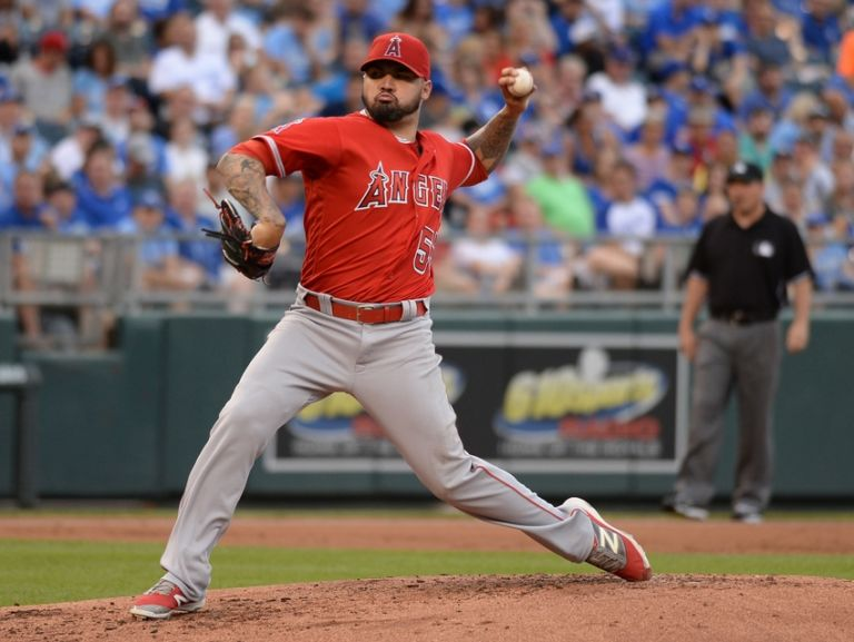 Hector-santiago-mlb-los-angeles-angels-kansas-city-royals-768x577