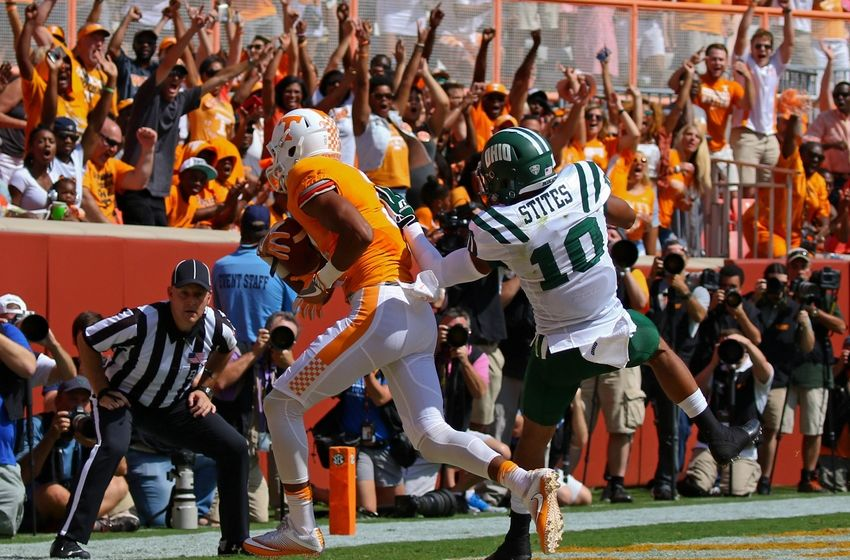 Sep 17, 2016; Knoxville, TN, USA; Tennessee Volunteers wide receiver Josh Malone (3) catches a pass for a touchdown against Ohio Bobcats cornerback Randy Stites (10) during the first quarter at Neyland Stadium. Mandatory Credit: Randy Sartin-USA TODAY Sports