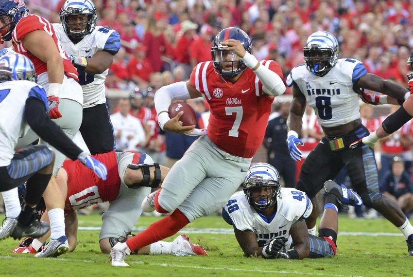 9582047-ncaa-football-memphis-mississippi