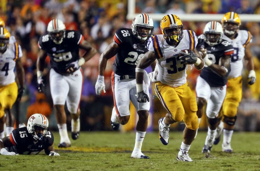 Jeremy Hill Ncaa Football Auburn Louisiana State X