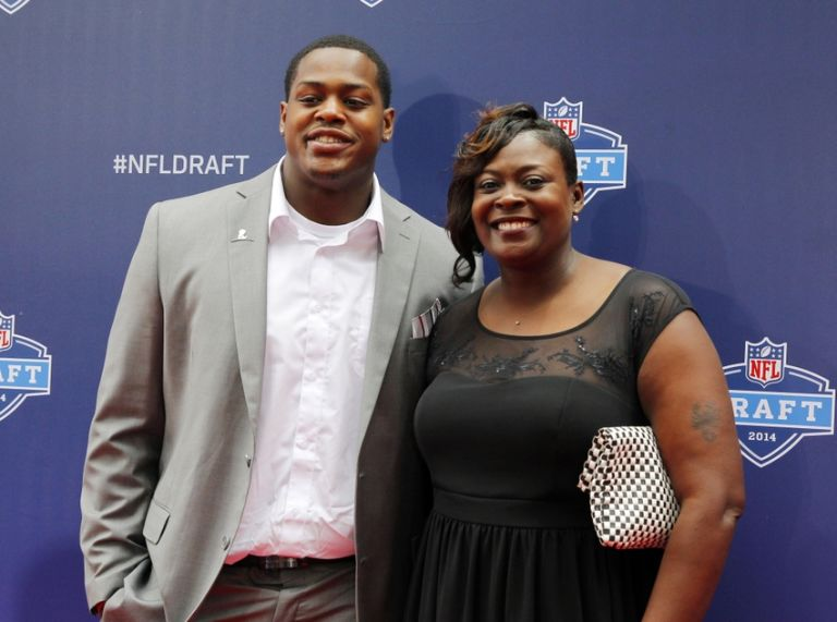 Nfl-nfl-draft-red-carpet-arrivals-768x571