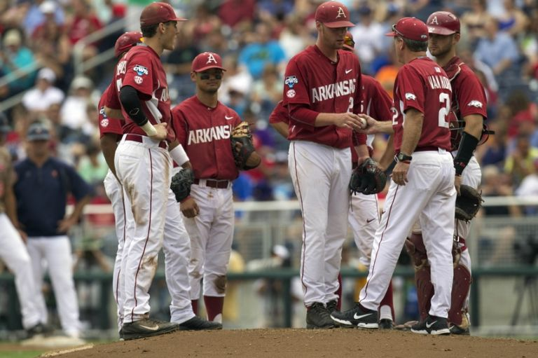 Dave-van-horn-ncaa-baseball-college-world-series-arkansas-vs-virginia-768x0