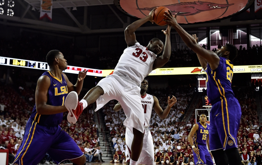 Moses-kingsley-ncaa-basketball-louisiana-state-arkansas