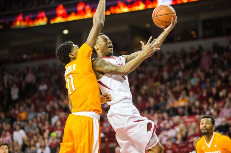 Anthlon-bell-ncaa-basketball-tennessee-arkansas-768x0