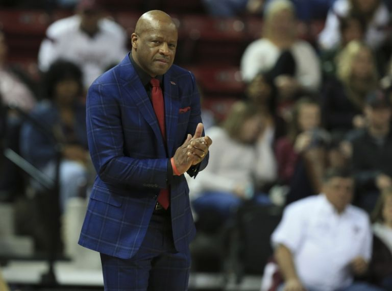 Mike-anderson-ncaa-basketball-arkansas-mississippi-state-1-768x0