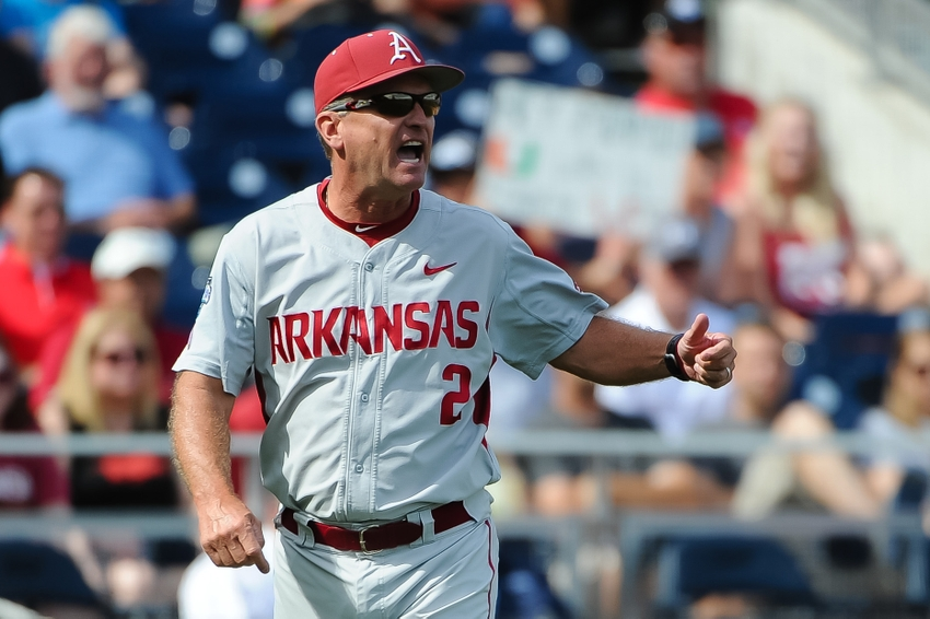 Dave-van-horn-ncaa-baseball-college-world-series-arkansas-vs-miami