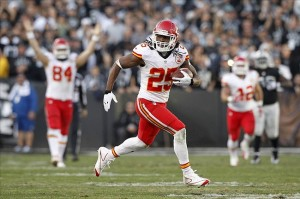 Kansas City Chiefs running back Jamaal Charles (25) catches a 71 yard touchdown pass against the Oakland Raiders in the third quarter at O.co Coliseum. The Chiefs defeated the Raiders 56-31. (Cary Edmondson, USA TODAY Sports)