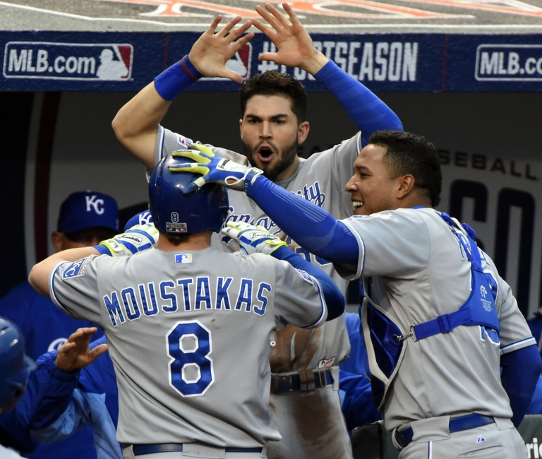 Mike-moustakas-mlb-alcs-kansas-city-royals-baltimore-orioles