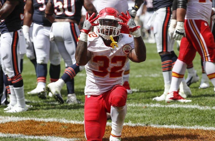 Aug 27, 2016; Chicago, IL, USA; Kansas City Chiefs running back ...