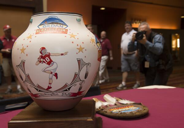 Twitter Pic of 2013 Gildan New Mexico Bowl trophy, hand-crafted by the local artists in Albuquerque, New Mexico