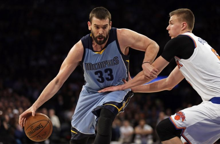 9097294-marc-gasol-kristaps-porzingis-nba-memphis-grizzlies-new-york-knicks-768x504