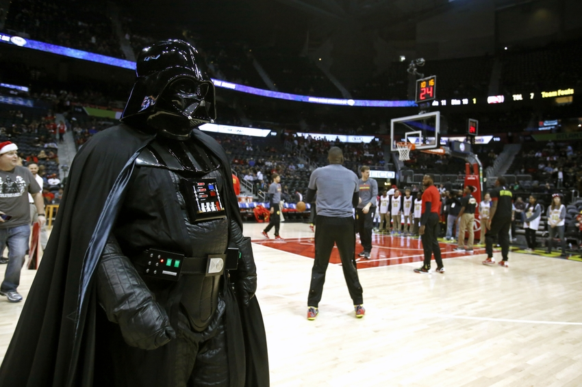 9000521-darth-vader-nba-philadelphia-76ers-atlanta-hawks