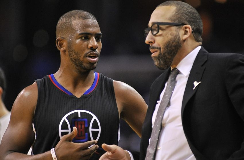 Nov 4, 2016; Memphis, TN, USA; Los Angeles Clippers guard Chris Paul (3) and Memphis Grizzlies head coach David Fizdale during the second half at FedExForum. Los Angeles Clippers beat the Memphis Grizzlies 98-88. Mandatory Credit: Justin Ford-USA TODAY Sports