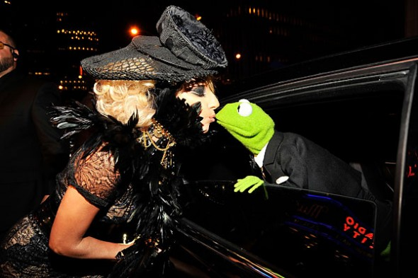 Lady Gaga kisses her date to the VMAs, Kermit the Frog, good night