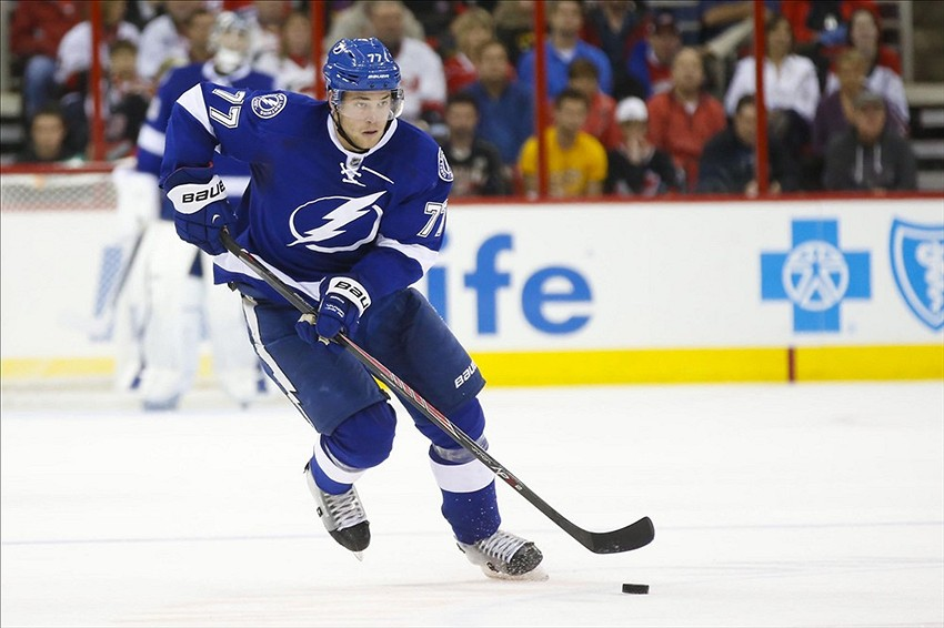 Victor Hedman Scores Crazy Ricochet Goal For Tampa Bay Lightning Video