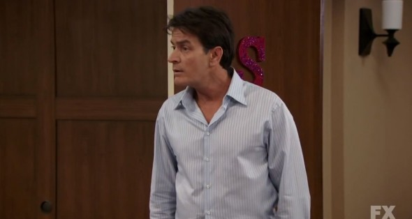 Charlie Sheen as Charlie Goodson in 'Anger Management'. Photo Credit: FX