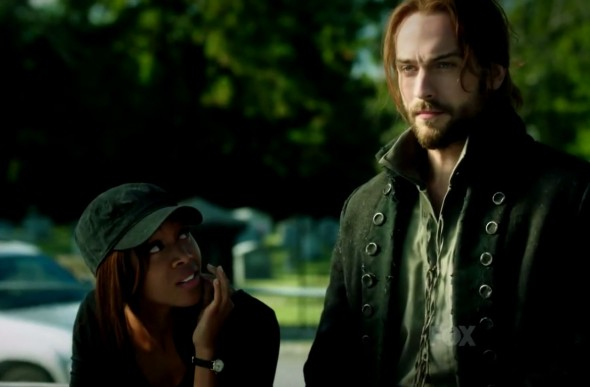 Nicole Beharie and Tom Mison as Lt. Abbie Mills and Ichabod Crane in Episode 6 of 'Sleepy Hollow'. Photo Credit: Fox