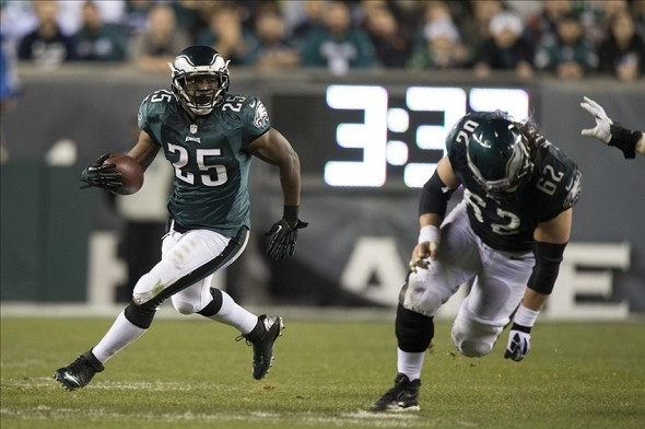 Dec 22, 2013; Philadelphia, PA, USA; Philadelphia Eagles running back LeSean McCoy (25) runs with the ball during the second quarter at Lincoln Financial Field. Mandatory Credit: Tommy Gilligan-USA TODAY Sports
