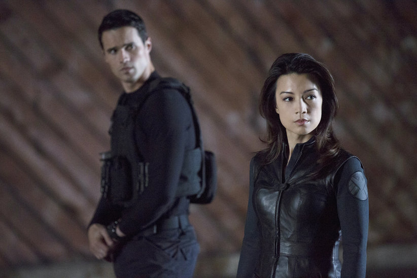 http://cdn.fansided.com/wp-content/blogs.dir/229/files/2013/12/Marvels-Agents-of-S.H.I.E.L.D.-Winter-Finale-1x10-Agents-Ward-and-May.jpg