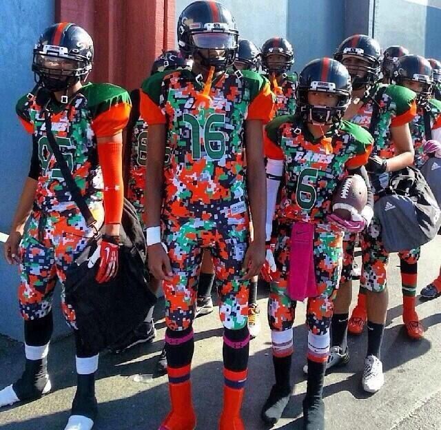 Youth football team has ridiculously ugly uniforms photo