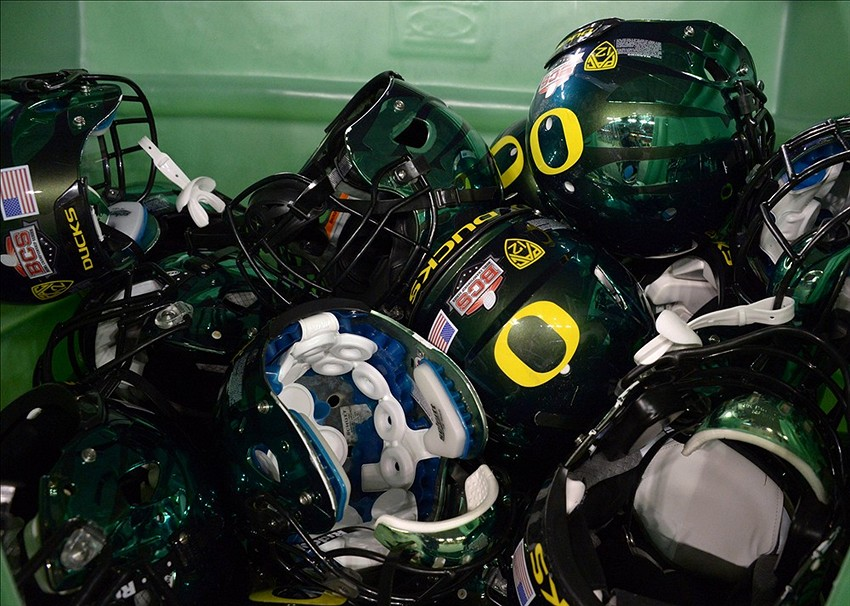 Oregon Ducks Football Helmets 2014 Okoboji school ...