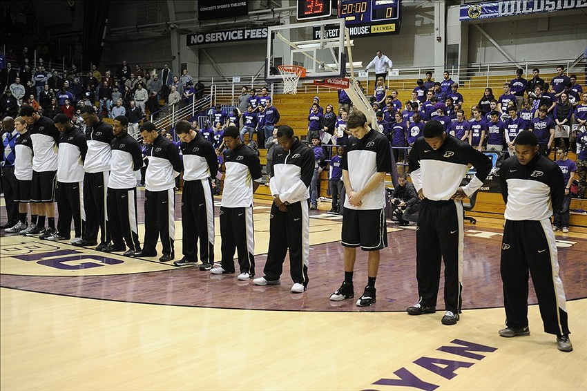 Purdue basketball team warms up in tuxedo t-shirts (Photo ...