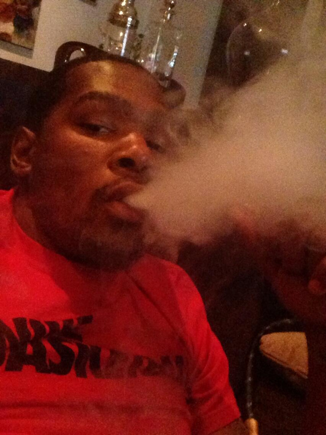 Kevin Durant Tweets Picture Of Him Smoking Claims He Was Hacked Photo