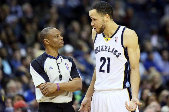 Jan 20, 2014; Memphis, TN, USA; Memphis Grizzlies forward Tayshaun Prince (21) talks to official Michael Smith (38) during the game against the New Orleans Pelicans at FedExForum. New Orleans defeated Memphis 95-92. Mandatory Credit: Nelson Chenault-USA TODAY Sports