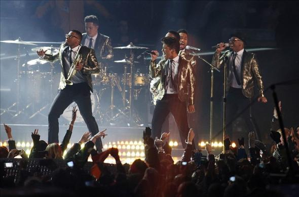 Feb 2, 2014; East Rutherford, NJ, USA; Recording artist Bruno Mars performs at halftime in Super Bowl XLVIII between the Seattle Seahawks and the Denver Broncos at MetLife Stadium. Mandatory Credit: Joe Camporeale-USA TODAY Sports