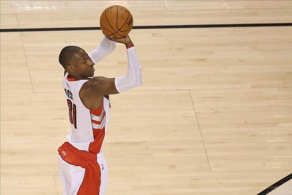 Feb 10, 2014; Toronto, Ontario, CAN; Toronto Raptors guard Terrence Ross (31) shoots against the New Orleans Pelicans at Air Canada Centre. The Raptors beat the Pelicans 108-101. Mandatory Credit: Tom Szczerbowski-USA TODAY Sports