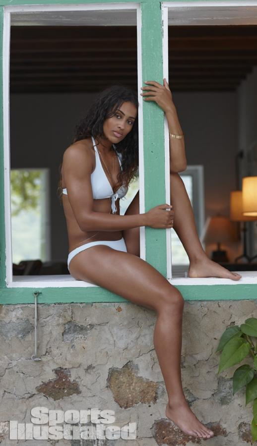 Swimsuit 2014: Guana Island Skylar Diggins Guana Island/Guana Island, British Virgin Islands, USA 11/18/2013 X157207 TK2 Credit: Adam Franzino SELECT