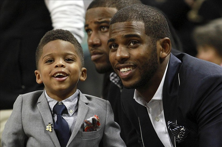 Chris Paul's son rebounds while dad shoots post-game (Video)