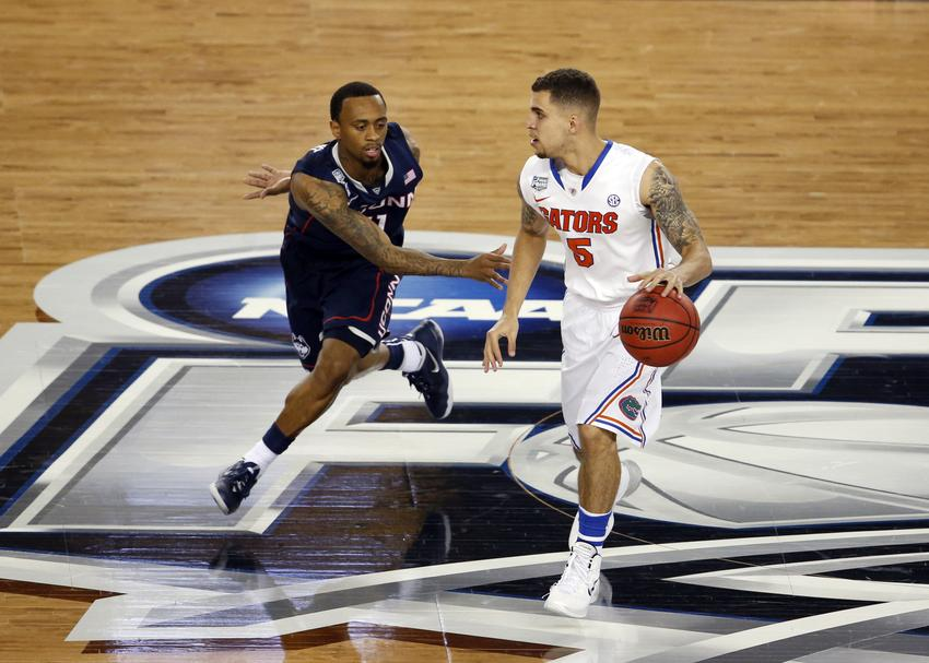 NCAA Final Four 2014: Ryan Boatright steal and dunk (GIF)