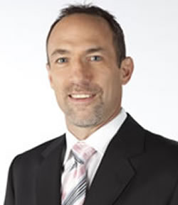 Ray Ferraro becomes the third man on the NHL commentary team