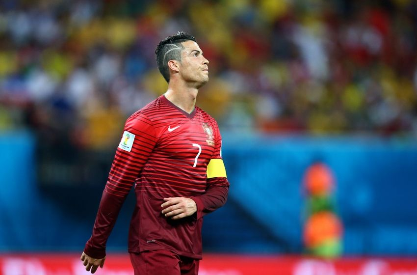 http://cdn.fansided.com/wp-content/blogs.dir/229/files/2014/06/cristiano-ronaldo-soccer-world-cup-usa-vs-portugal-850x560.jpg