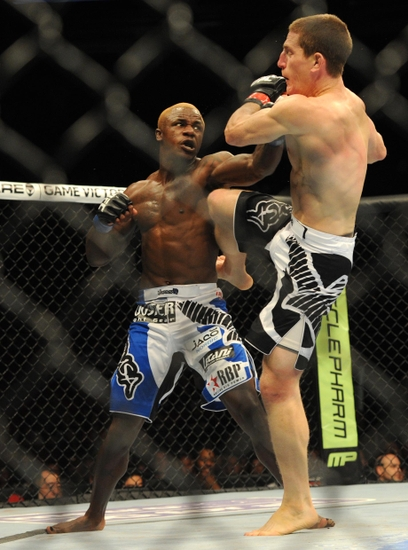 melvin guillard escapes car accident without injury photo. Black Bedroom Furniture Sets. Home Design Ideas