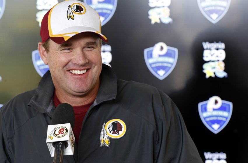 http://cdn.fansided.com/wp-content/blogs.dir/229/files/2014/07/jay-gruden-nfl-washington-redskins-training-camp3-850x560.jpg