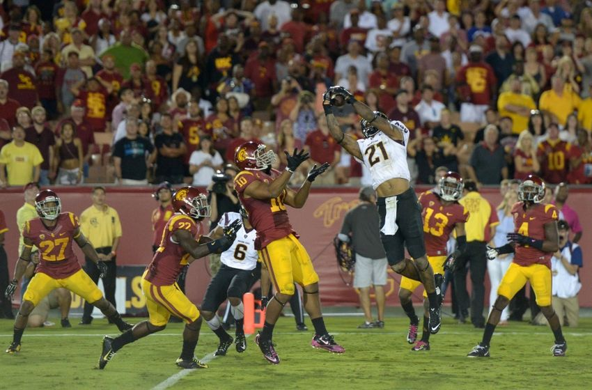 http://cdn.fansided.com/wp-content/blogs.dir/229/files/2014/10/hayes-pullard-ncaa-football-arizona-state-southern-california-850x560.jpg
