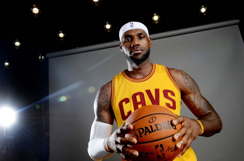 LeBron James makes Cleveland Cavaliers debut vs Maccabi Tel Aviv